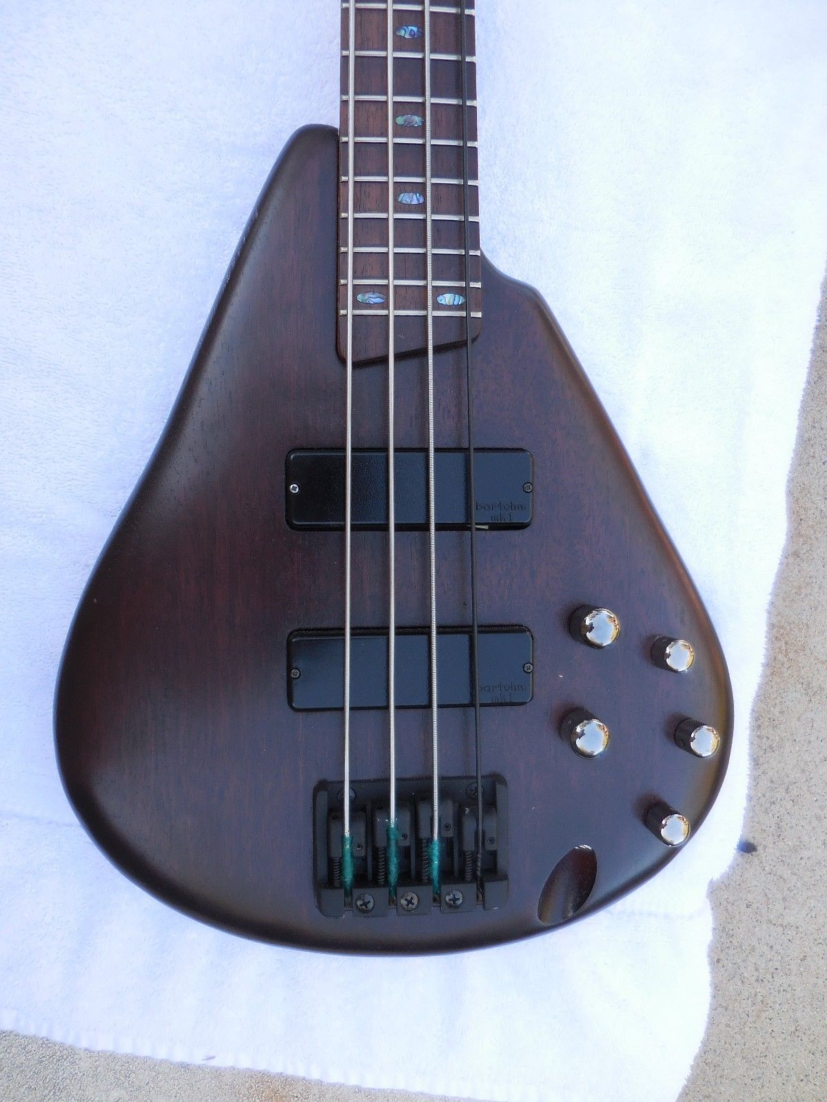 Ibanez tear drop 002.JPG