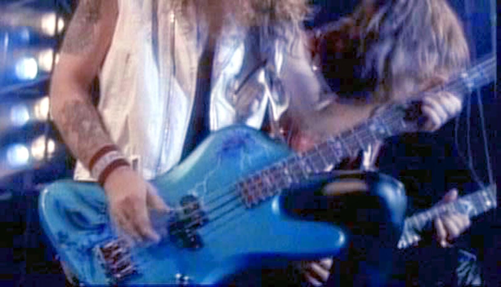 1984 - Lado Steve Harris Signature Unicorn Bass.jpg