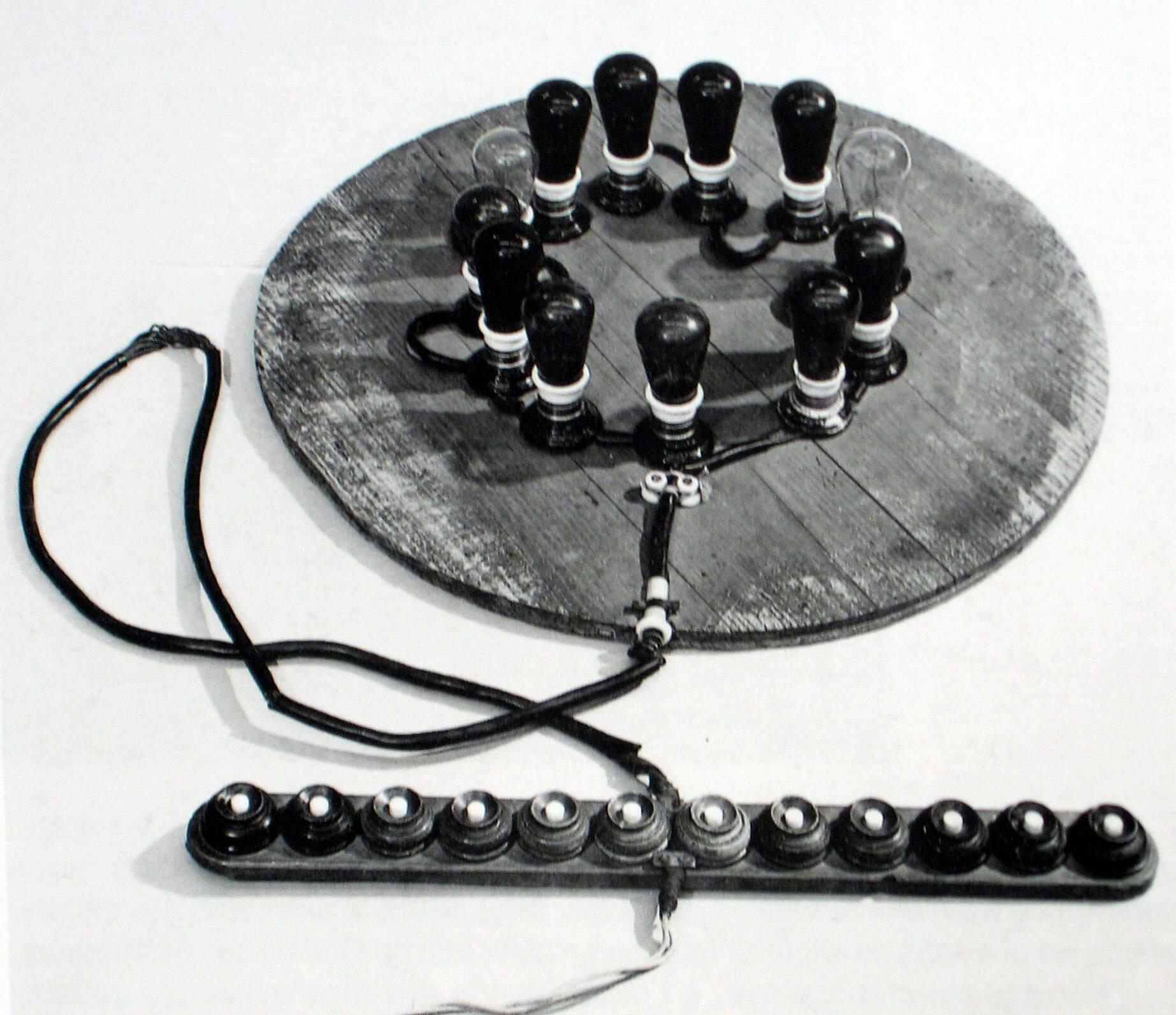 1910 Modèle expérimental de l'appareil de projections lumineuses.JPG